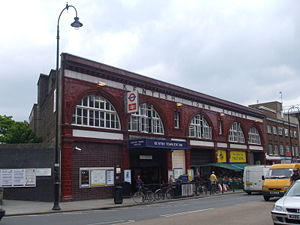 300px-kentish_town_stn_building
