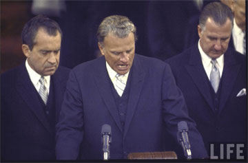 graham-praying-nixon-5
